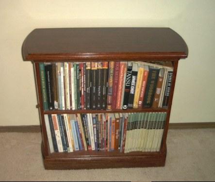 Curved end bookcase - Estantes para libros ...